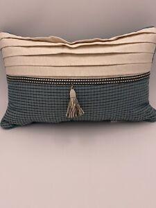Beautiful details Croscill Beckett Boudoir Pillow NEW
