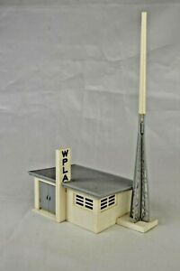 """Plasticville """"WPLA"""" TV Station 5"""" long Antenna is 8 1/4"""" High Ex Built Condition"""