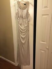 Silver Evening Gown or Wedding Dress: Cachet size 4 / 42107080710