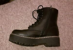 CLOSSHI Chunky Doc Martens Style Ankle Boots Vegan Faux Leather Size 4