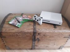 xbox one s 500GB + Controller + gt + r d r + NHL 2016 + Kabel