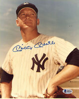 MICKEY MANTLE SIGNED AUTOGRAPHED 8x10 PHOTO NEW YORK YANKEES RARE BECKETT BAS