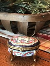 Very Beautiful Limoges 4 Legged Trinket Box With Floral Design And Gold Legs