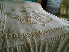 VINTAGE CANDLEWICK BEDSPREAD - DOUBLE SIZE