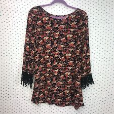 Glamorous Size Small Red & Black Floral Leaves Blouse w/ Crochet 3/4 Sleeves