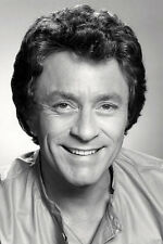 Bill Bixby The Incredible Hulk Smiling Studio Portrait 11x17 Mini Poster