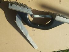 Carpet Grip Floor Panel Lifter with Spikes.CLAW LIFTER OBLONG - FOR CARPET