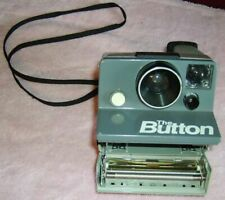 Vintage  POLAROID LAND CAMERA / THE BUTTON / Uses SX-70 film   YOUR ZIP CODE S&H