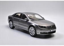 Kyosho 1/18 Volkswagen Phaeton Diecast Car Model Toys Boys Girls Gifts Display