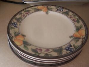 "Set of 4 Mikasa Intaglio CAC29 Garden Harvest Fruit 8 3/8"" Salad Plates"