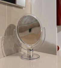 Specchio ingranditore e non per bagno da appoggio, struttura resina trasparente