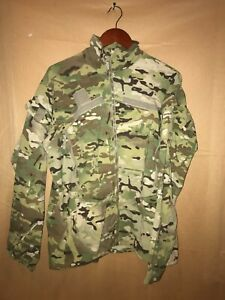 NEW WITHOUT TAGS SOFT SHELL GEN 3 COLD WEATHER WIND JACKET MULTICAM MED REG