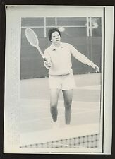 Original Feb 23 1969 Althea Gibson Tennis Practice Round Wire Photo