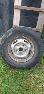 Tyre  michelin 215/75/16c