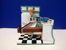 I LOVE LUCY - 1/2 BAKING BREAD BOOKENDS - ETHEL WITH BREAD