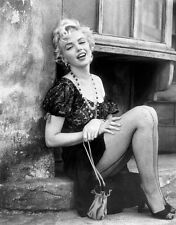 #1124 MARILYN MONROE  Black White 8.5 x 11 GLOSSY PICTURE PHOTO  NOT 8 X 10