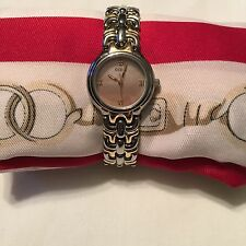 GUESS Ladies Watch Gold Tone With Diamond Accent  G85504L Euc Adjustable Band