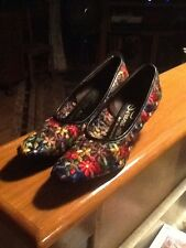 Vintage Serenades By Florsheim Shoes Stitched Flowers 7-8 Narrow