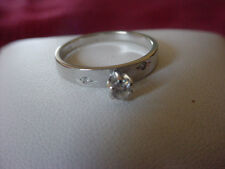 Ladies 10k White Gold & Diamond Solitaire Engagement Ring w/accents, 1.9 gr. sz6