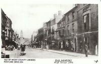 Isle of Wight Postcard - Old Newport - High Street c1910    U722