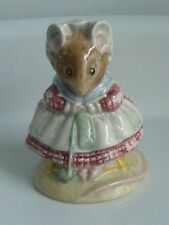 Beswick England BP3C THE OLD WOMAN WHO LIVED IN A SHOE KNITTING EC Figurine