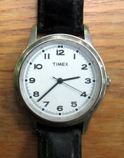 2003 men's Timex Quartz Dress Watch  - Runs well