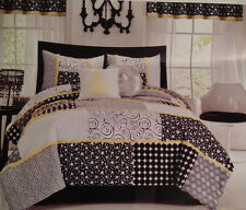 SEVENTEEN 3pc Comforter Set Full / Queen Black White Dots Yellow Trim Dot Dot