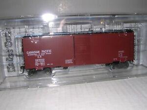 KADEE #4089  Canadian Paciic 40' PS-1 Box Car #269352 H.O.Scale 1/87