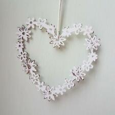 SMALL CREAM DISTRESSED METAL DAISY HANGING HEART CHIC N SHABBY VINTAGE STYLE