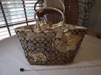 Coach Bleeker Floral Gold Khaki Signature Applique Tote Handbag F16276 purse GUC
