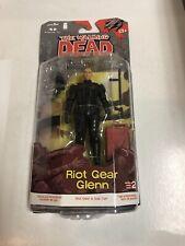 Riot Gear Glenn (MOC) The Walking Dead comic series 2 (2013) Mcfarlane