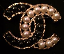 New & Authentic CHANEL Black & White Pearl 'CC' Logo Pin Brooch