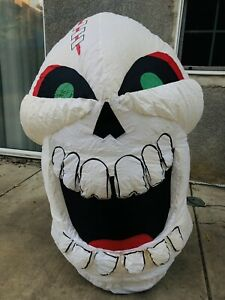 Gemmy 4 ft Skull Airblown Inflatable Spooky Halloween Decor Skeleton 2006