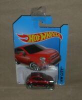 Hot Wheels HW City Fiat 500   2013  red L/card (c)
