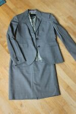 Banana Republic Skirt Suit set, size 2, Gray, Italian