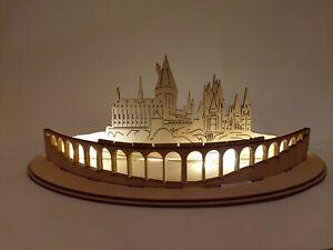 Geschenk basteln Zauberschloss Brücke Zug LED beleuchtet 18cm