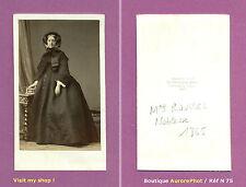 CDV DISDÉRI à PARIS : Mme ROUSSEL EN POSE, NOBLESSE FRANÇAISE, 1865  -N75