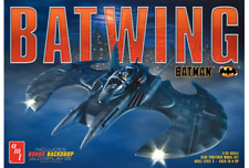 Batman Batwing 1:25 Scale Model Kit with Gotham Backdrop New Amt948