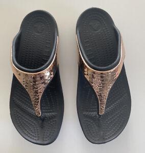 Crocs Sandles Chrome Bronze Toe Thing Size 3 (w5) Black Summer Fashion Casual