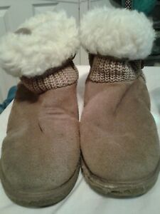 Ukala tan suede  wool lined  boots shoes Womens sz 9