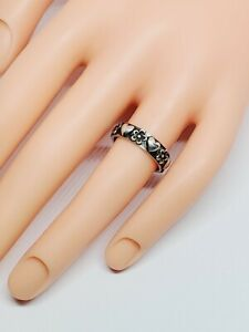 """Retired James Avery """"Hearts and Flowers"""" Band Ring Sterling Silver Size 6"""