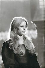 NATHALIE DELON - LE MOINE - Adonis KYROU / LUIS BUNUEL -20 X 30 cm - 1973