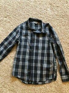 Long Sleeved Boys Shirt - EUC - Size Large