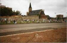 FOUND PHOTO Oklahoma City Bombing Aftermath MAKESHIFT MEMORIAL Color 99 5 W