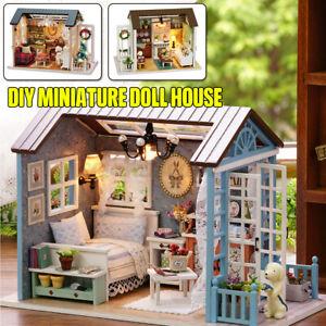 1:24 Puppenhaus Miniatur mit Möbel DIY Hölzernes Haus Puppenstube Handgemachte
