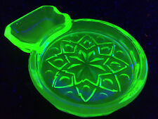 Green Vaseline glass coaster bowl candy uranium ashtray cape cod tray cigarette