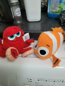 Zoggs Finding Dory, Nemo and Hank Pool Soakers swimming and friends,