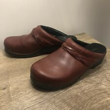 LL BEAN Women's Red Leather Slip-on Clogs Mules Shoes Size EUR 40 EUC Size 8.5