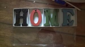 Home Numbers Holzbuchstaben Dekoration Mehrfarbig mit Aufhänger