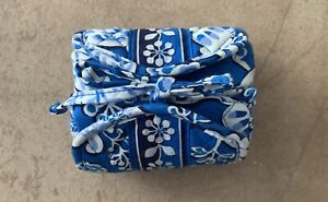 NWT Vera Bradley All Wrapped Up Blue Lagoon Cosmetic Jewelry Travel Case